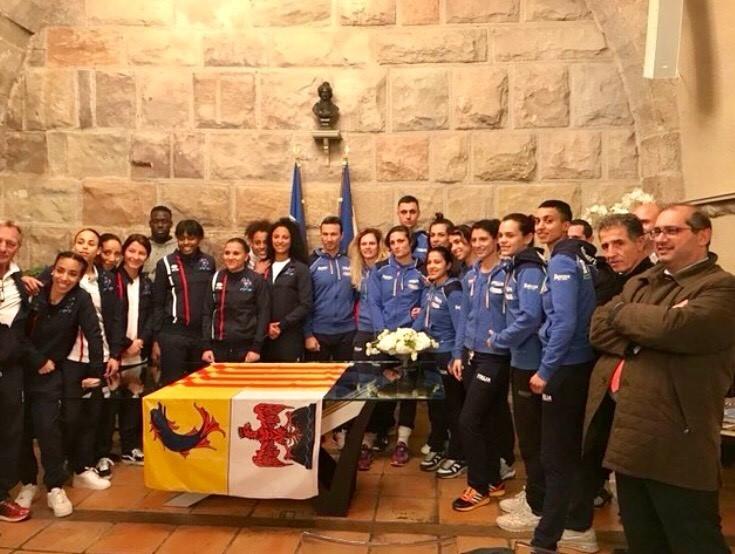 Equipe de France et équipe d'Italie à la Mairie de Saint-Raphaël