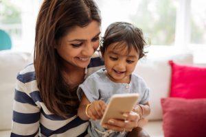 enfant et mobile