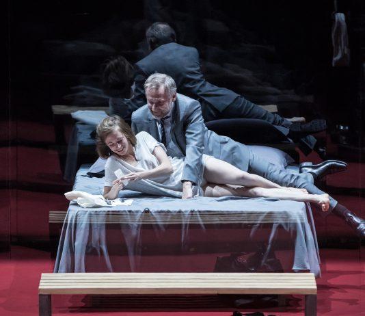 L'Ecole des femmes - Molière - Odeon - Theatre - Florence Yeremian - Stephane Braunschweig - Syma News - Syma Mobile - Metoo - Paris - harcelement - mariage - Claude Duparfait -violence