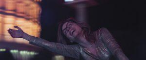 Gloria - Julianne Moore - Gloria Bell - Cinquantaine - femme - woman - women - solitude - divorcée - Sebastian Lelio - John Turturro - Love - Amour - Syma News - Florence Yeremian - film - cinéma - Caren Pistorius - Michael Cera - Brad Garrett