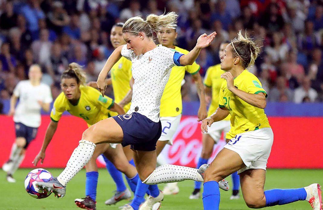 coupe du monde - foot féminin - footballeuses - bleues - dare to shine - allez les bleues - syma news - sportives - footballeuses - UNE 3E POINT CDM