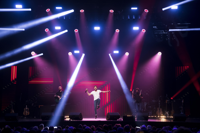 Leurs voix pour l'espoir - concert - Olympia - Claudio Capéo