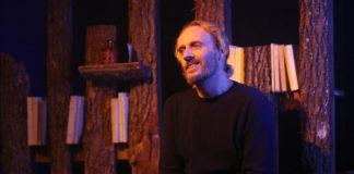Dans les forets de siberie - Sylvain Tesson - william Mesguich - Theatre - Théâtre de la Huchette - Paris - spectacle - livre - film - aventure - safy Nebbou - poésie - solitude - Mesguich - avignon - piece - syma news - florence yeremian