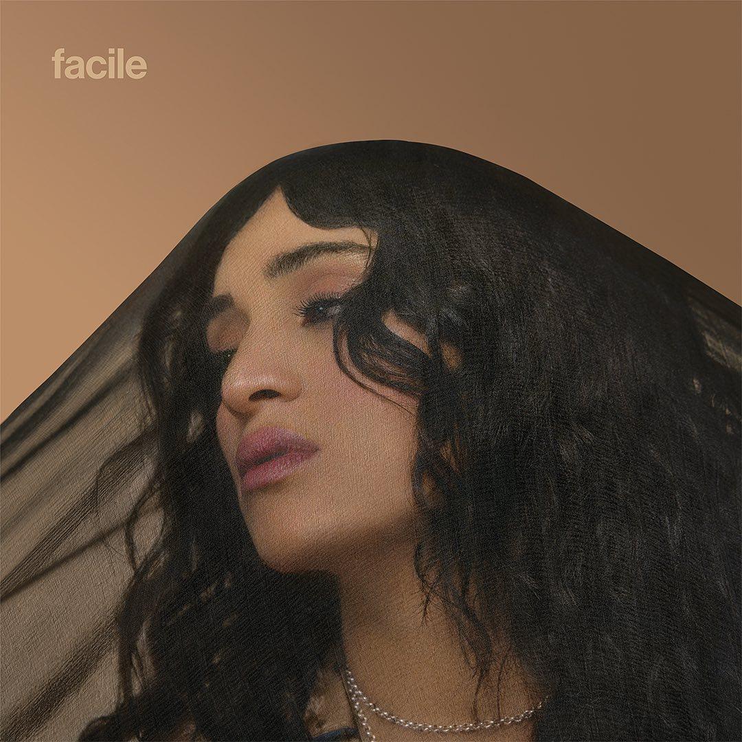Camelia Jordana - Interview - Facile Fragile -