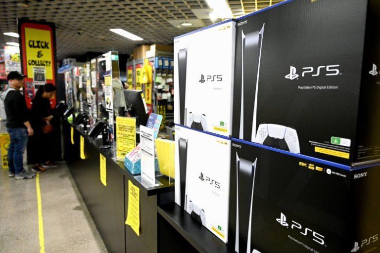 PS5 Sony Xbox Series Microsoft