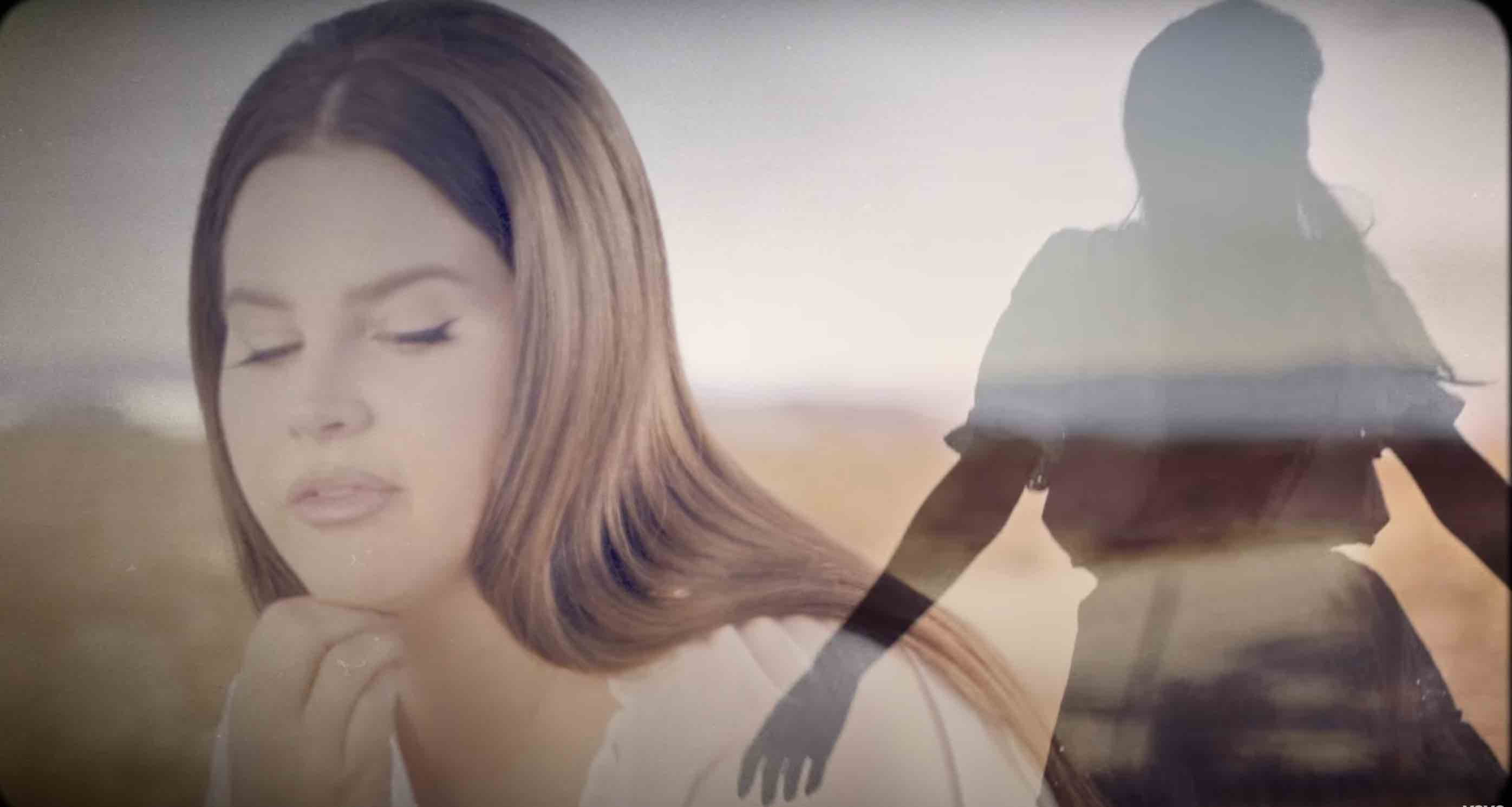 Lana del rey - Chemtrails over the country club -