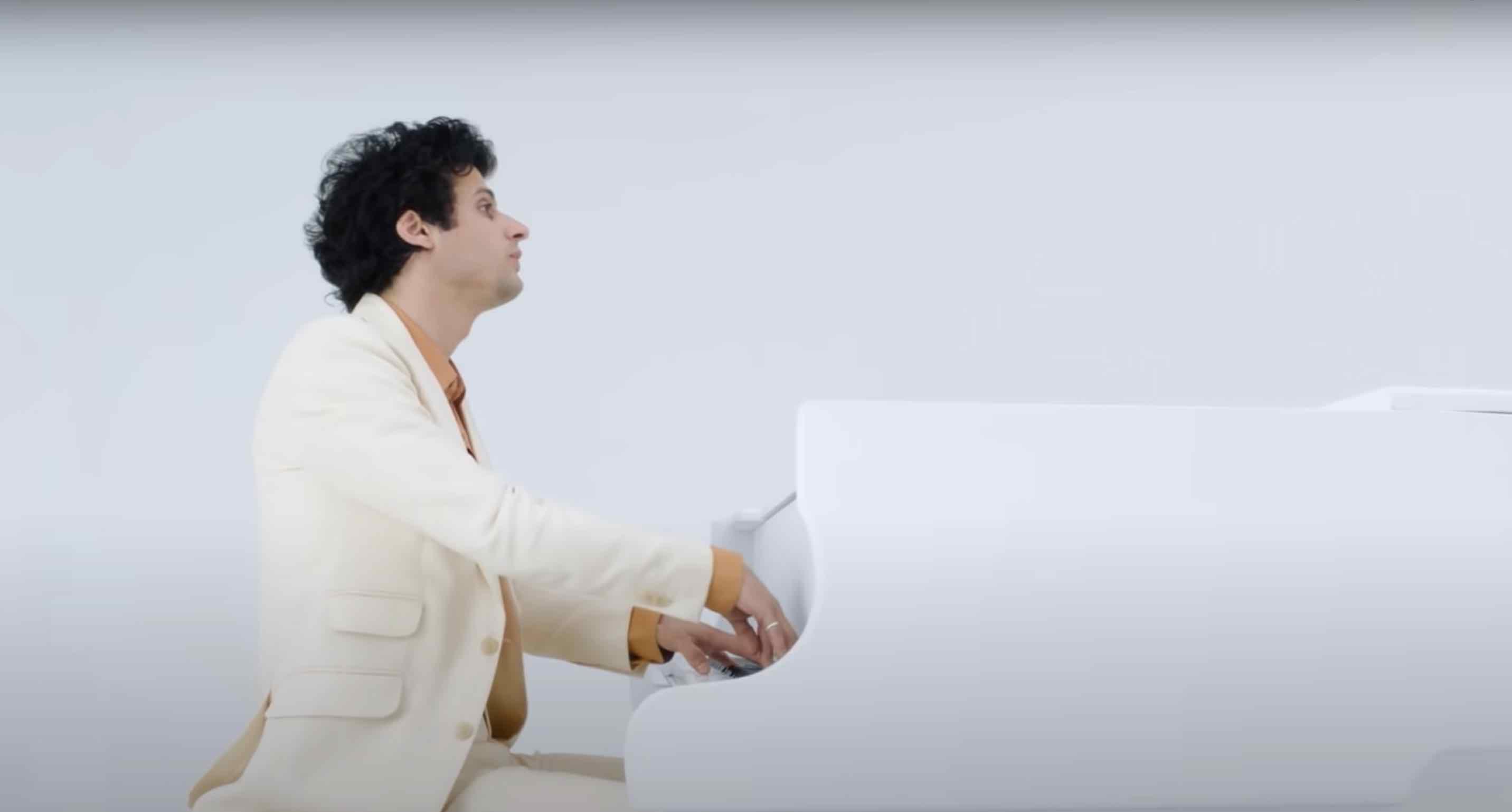 Adrien Gallo - Là où les saules ne pleurent pas - Vanessa Paradis - Les clochettes de mai -