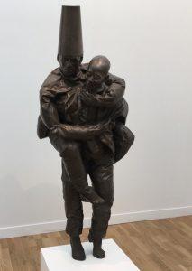 FIAC 2018 - Art Contemporain - Paris - Artistes - Paintings - Peinture - Juan Munoz - bronze - Chinois - Piggyback - Caucasien - caucasian - Chinese - Galerie Skarstedt -Sculpture - Moderne - SYMA News - SYMA Mobile - Florence Yeremian