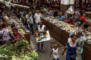 Baudouin Mouanda - SYMA News - Congo - Florence Yeremian - ephemeres - faim - Baudoin Mouanda - brazza - brazzaville - brazza art galerie - galerie - sandra plachesi - congo - art - expo - exposition - exhibition - photo - photographie - photographe - guerre - war - RDC - SAPE - sapeur - mode - fashion - congolese - afrique - Africa