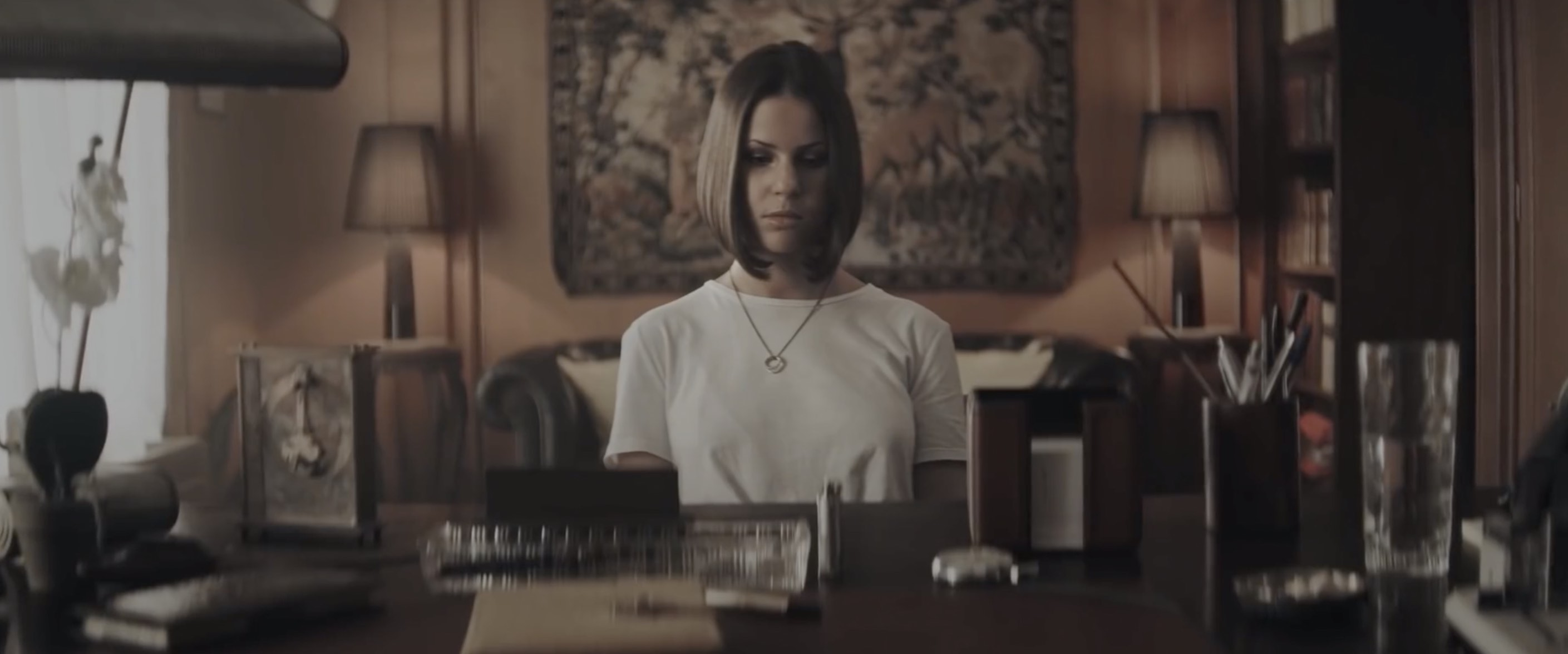 Marina Kaye - Twisted - clip