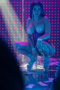 Queens - hustlers - striptease - wall street - arnaque - jennifer lopez - sexy - danseuse - lap dance - pole dance - constance wu - glamour - usher - lorene scafaria - film - movie - cinema - Julia Stiles - Keke Palmer - Lili Reinhart - mercedes Ruehl -Lizzo - Cardi B - Mette Towley - Madeline Brewer - Tracey Lysette - syma news - florence yeremian