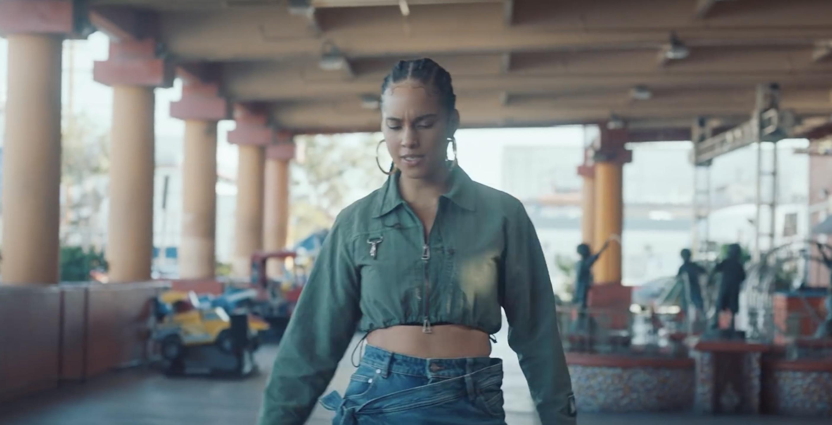 Alicia Keys - Underdog - retour - clip