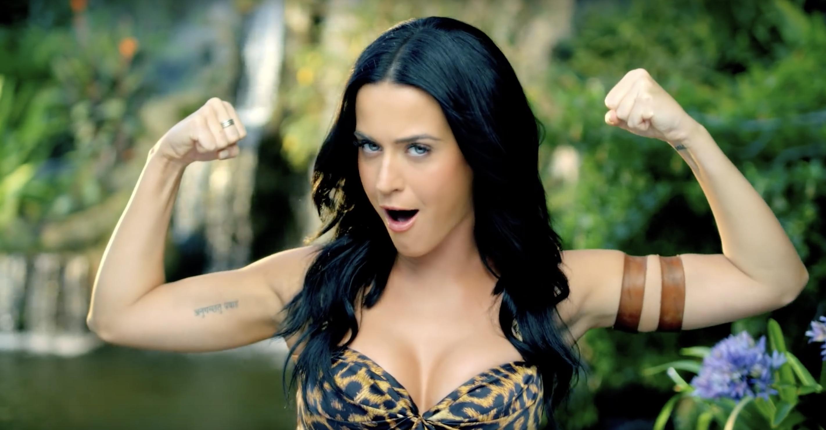 Roar - Katy Perry - top clips décennie - Youtube