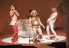 la nuit des rois - theatre - comedie française - spectacle - shakespeare - syma news - florence yeremian - thomas ostermeier - denis podalydes - laurent stocker - stephane varupenne - adeline d hermy - georgia scalliet - sebastien pouderoux - christophe montenez - noam morgensztern - anna cervinka - julien frison - yoann gasiorowski - paul antoine benos djian - paul figuier - clement latour - damien pouvreau