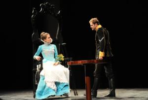 Elodie Menant - syma news - florence yeremian - atmosphere - artiste - comedienne - theatre - arletty - est-cequej'ai une gueule d'arletty - petit montparnasse - sepctacle - musical - music hall - comedie musicale - show - danse - chant - johanna boye - eric bu - paris - interview -