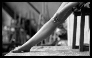 Emeline Coquet - comédienne - modele - marionnettiste - theatre - actrice - syma news - florence yeremian - modele vivant - poseuse - beaux arts - art - grande chaumiere - figura - arts deco - shane wolf - arts décoratifs