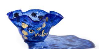 artcurial- michou - montmartre - chez michou - cabaret - collection - gen paul - tableau - mobilier - baccarat - jean marais - lalique - art de vivre - décoration intérieure - symanews - Mazarine Yérémian - design - prince bleu - bleu - ventre aux enchères - auction - auctions - panama - art - transformisme - cabaret - michel catty