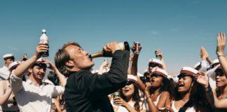 drunk - druk - thomas vinterberg - mads mikkelsen - florence yeremian - syma news - cinema - film - movie - comedie - alcool