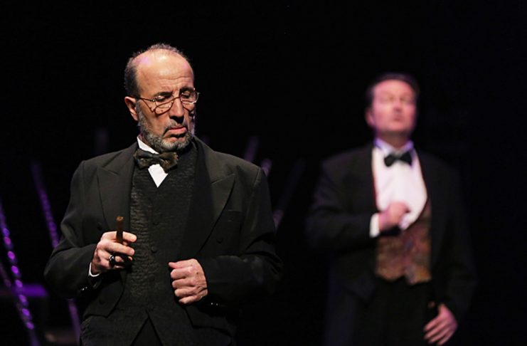 Adolf hitler - jean luc palies - syma news - vienne 1913 - Theatre - plaisir - nazi - freud - histoire - yeremian florence